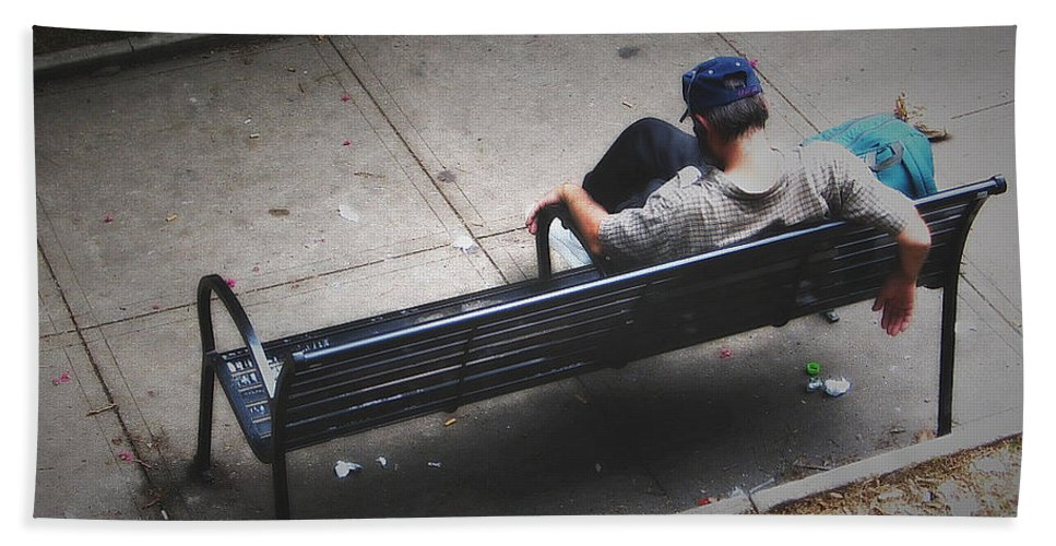 2d Beach Towel featuring the photograph Hot And Homeless by Brian Wallace