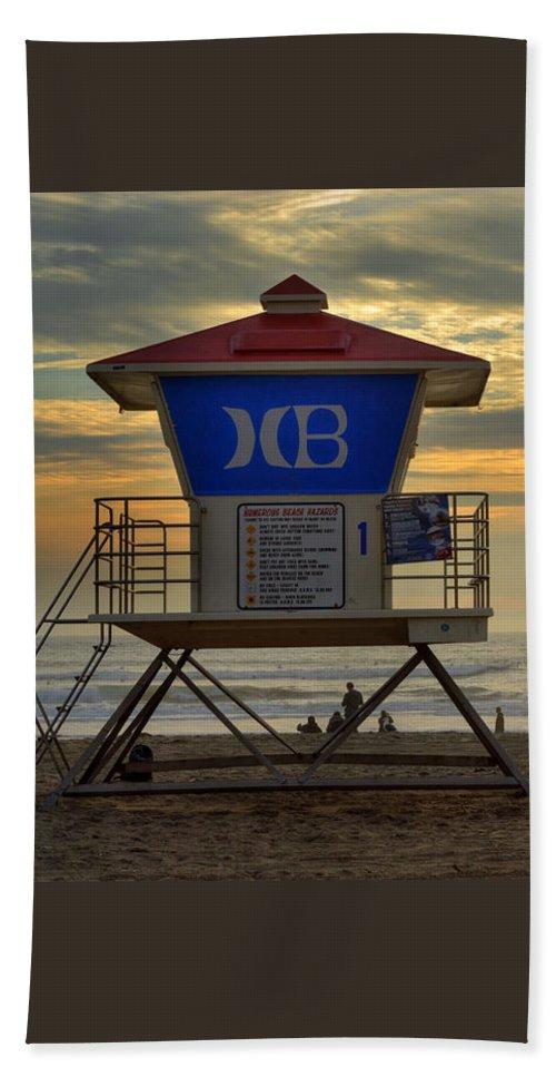 94c96e29286 Huntington Beach Beach Towel featuring the photograph Huntington Beach  Lifeguard Tower by K D Graves