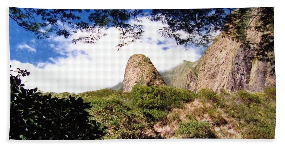 1986 Beach Towel featuring the photograph Iao Valley by Will Borden