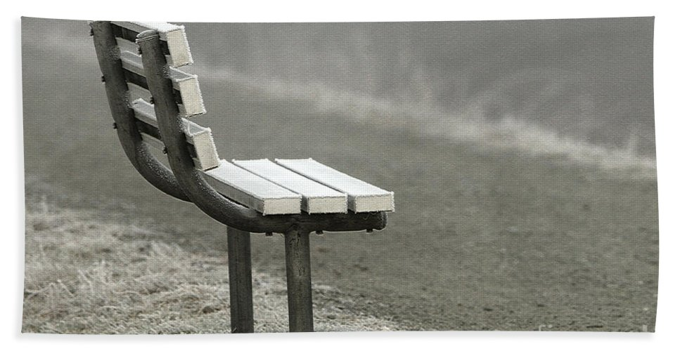 Bench Beach Towel featuring the photograph Icy Bench In The Fog by Sharon Talson
