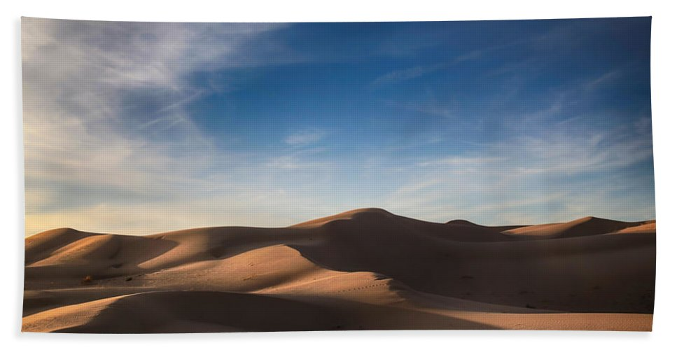 Imperial Sand Dunes Beach Towel featuring the photograph I'd Walk A Thousand Miles by Laurie Search