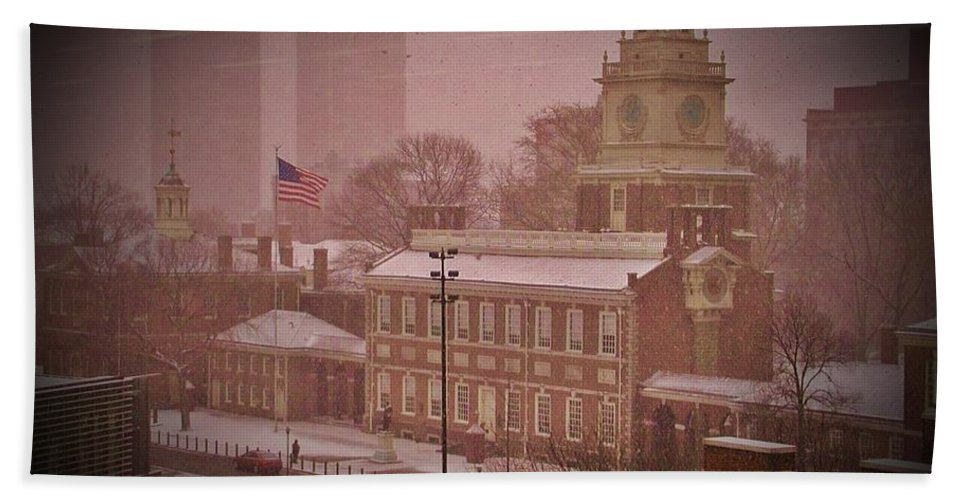 Philadelphia Beach Towel featuring the photograph Independence Hall In The Snow by Bill Cannon