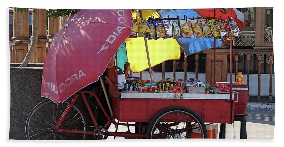 Iquique Beach Towel featuring the photograph Iquique Chile Street Cart by Brett Winn
