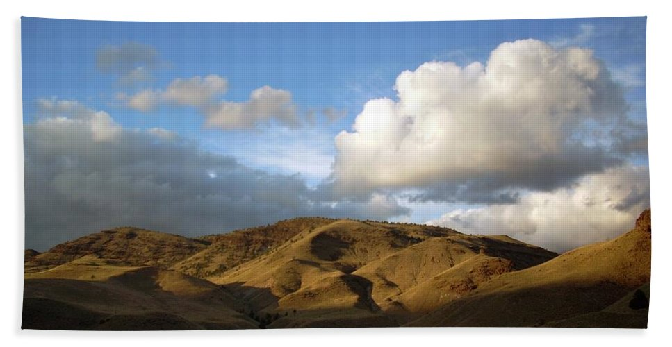Sunset Beach Towel featuring the photograph J D Sunset 2 by Sara Stevenson