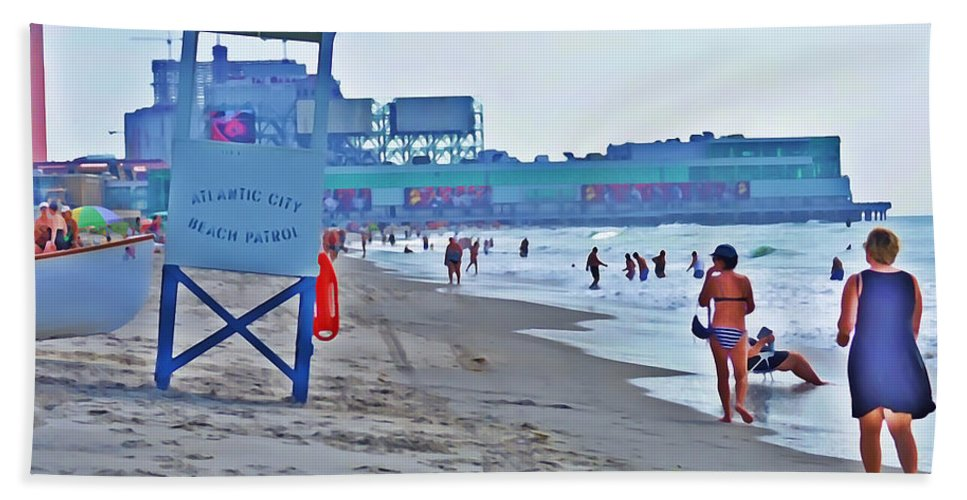Atlantic City Beach Towel featuring the photograph Jersey Shore - Atlantic City by Bill Cannon