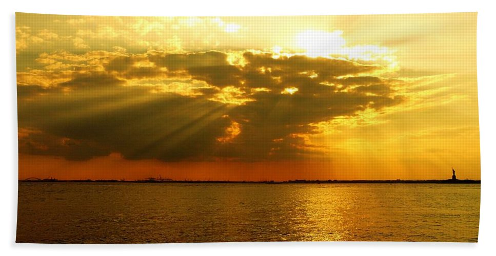 Gold Beach Towel featuring the photograph Knocking On Heaven's Door by Kendall Eutemey