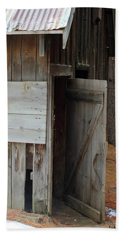 Open Barn Doors Beach Towel featuring the photograph Kyburz Barn 3 by Lydia Miller
