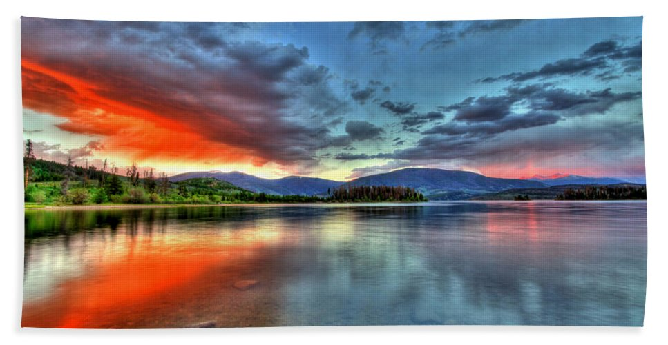 Colorado Beach Towel featuring the photograph Lake Glow by Scott Mahon