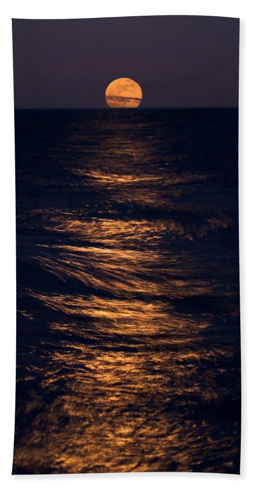Chicago Beach Towel featuring the photograph Lake Michigan Moonrise by Steve Gadomski