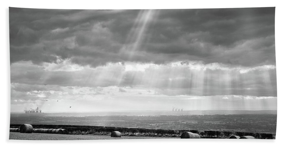 Garrowby Beach Towel featuring the photograph Landscape From Garrowby Hill, Yorkshire Uk by Richard Histon