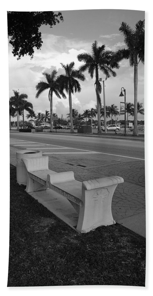 Black And White Beach Towel featuring the photograph Lantana by Rob Hans
