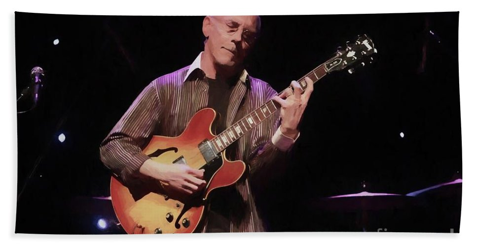 Jazz Beach Towel featuring the photograph Larry Carlton by Concert Photos