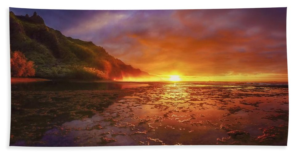 Hawaii Kauai Beach Sunset Beach Towel featuring the photograph Last Light by John Simon