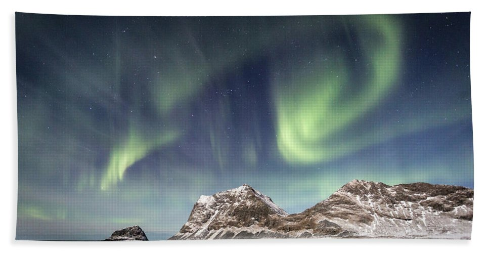 Northern Lights Beach Towel featuring the photograph Light Show by Alex Conu