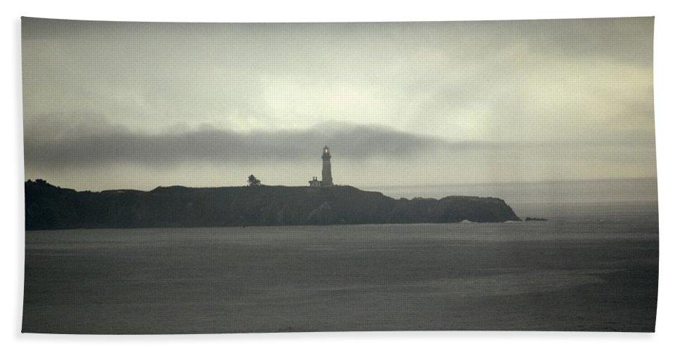 Lighthouse Beach Towel featuring the photograph Lighthouse by Sara Stevenson