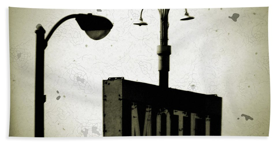 Lincolnwood Motel Historic District Beach Towel featuring the photograph Lincolnwood Motel District by Kyle Hanson