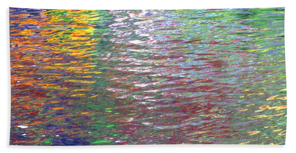 Water Art Beach Towel featuring the photograph Linearized Light by Sybil Staples