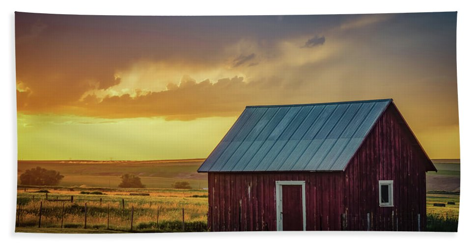 Farmland Beach Towel featuring the photograph Little Red Shed by Don Schwartz