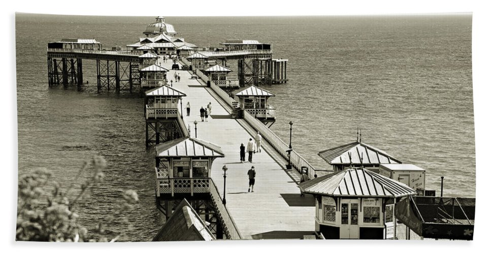 Pier Beach Sheet featuring the photograph Llandudno Pier North Wales Uk by Mal Bray