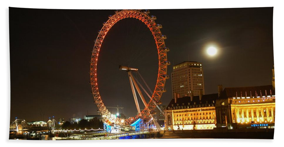 London Beach Towel featuring the photograph London Eye At Night by Bonnita Moaby