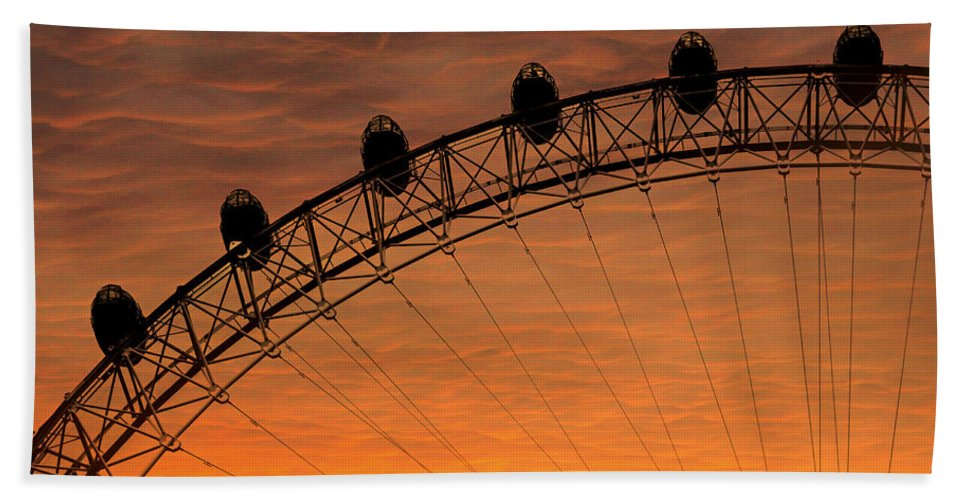 Landscape Beach Towel featuring the photograph London Eye Sunset by Martin Newman