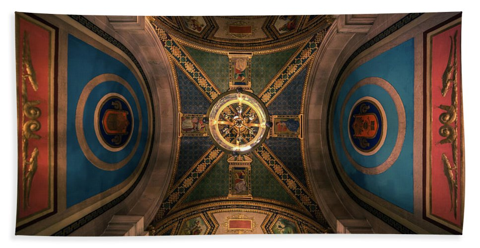 Detroit Beach Towel featuring the photograph Look Up by David Tisch