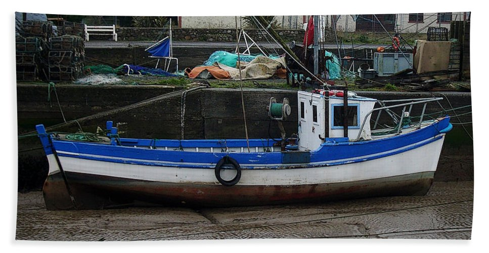 Boat Beach Towel featuring the photograph Low Tide by Tim Nyberg
