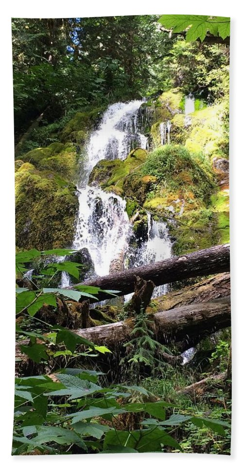Waterfall Beach Towel featuring the photograph Lush Waterfall by Megan Thompson