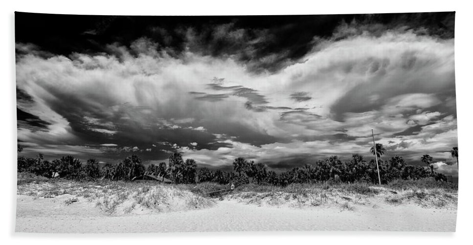 Madeira Beach Beach Towel featuring the photograph Madeira Beach by Kevin Cable