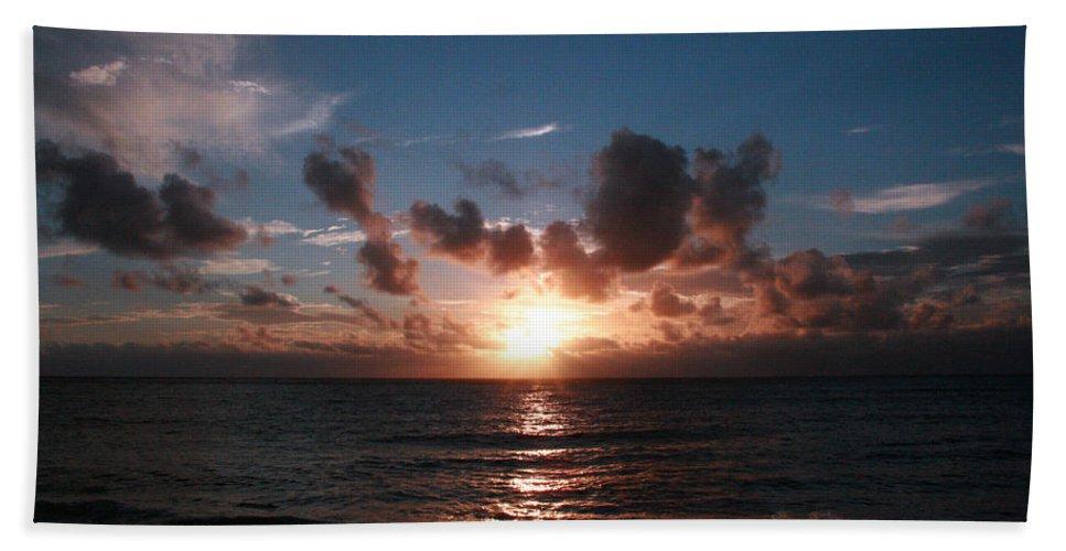 Tropical Sunset Beach Towel featuring the photograph Ma'ili Sunset by Jennifer Bright