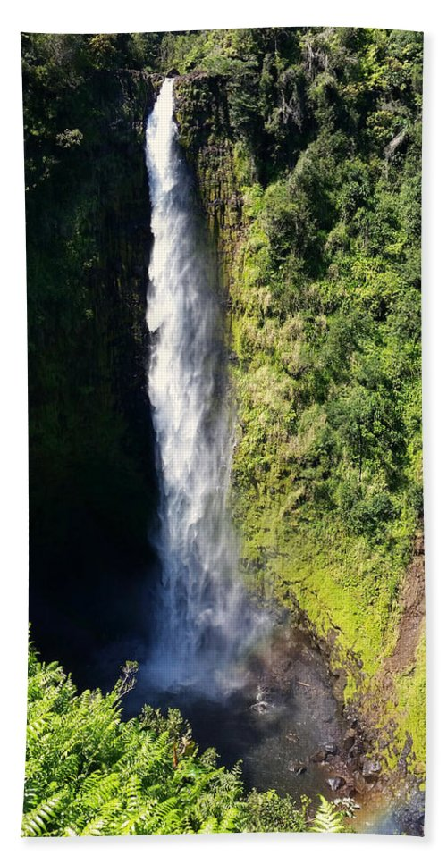 Pamela Walton Beach Towel featuring the photograph Majestic Akaka Falls by Pamela Walton