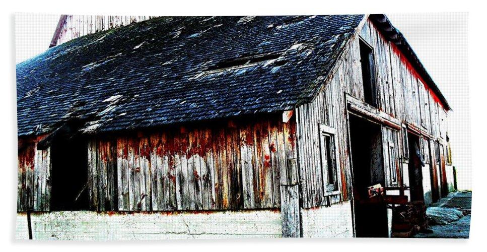 Barn Beach Towel featuring the photograph Mallard Barn by Julie Hamilton