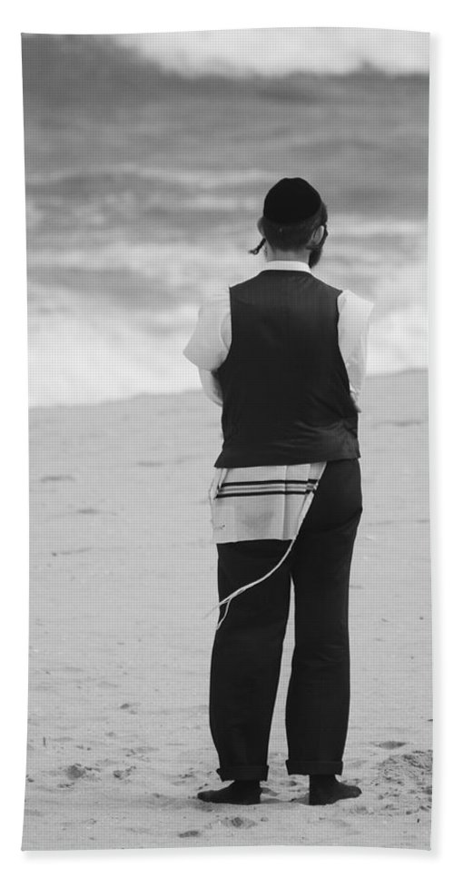 Black And White Beach Towel featuring the photograph Man And The Sea by Rob Hans