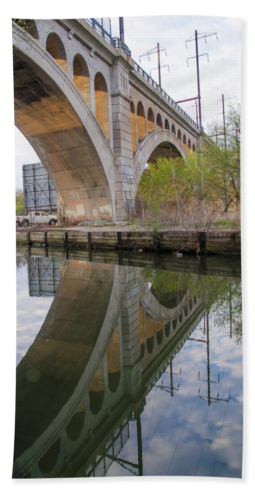 Manayunk Beach Towel featuring the photograph Manayunk Canal Bridge Reflection by Bill Cannon
