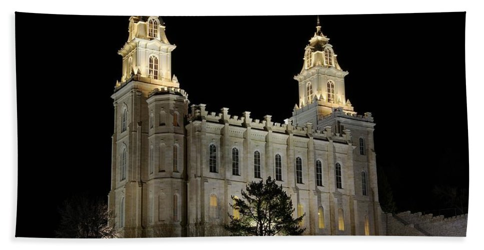 Historical Buiding Beach Towel featuring the photograph Manti Temple Night by David Andersen