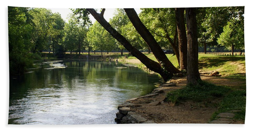 Maramec Springs Park Beach Towel featuring the photograph Maramec Springs 5 by Marty Koch