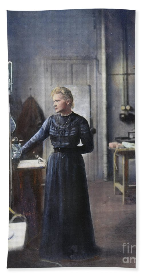1908 Beach Towel featuring the photograph Marie Curie (1867-1934) by Granger
