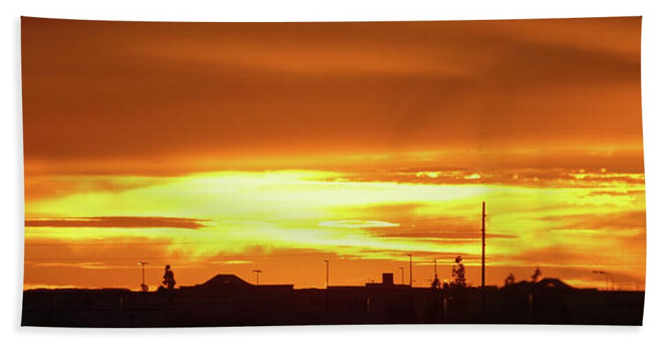 Orcinusfotograffy Beach Towel featuring the photograph Maryvale Goldrise Cvs by Kimo Fernandez