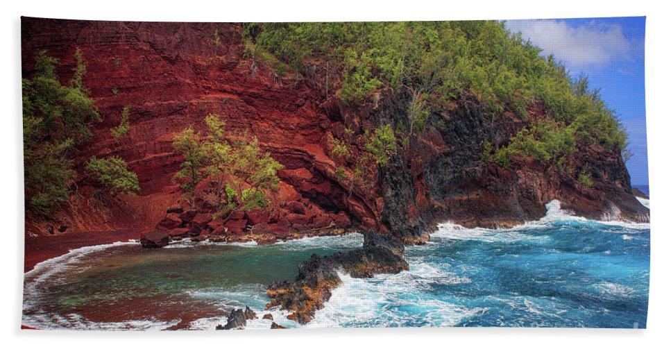 America Beach Towel featuring the photograph Maui Red Sand Beach by Inge Johnsson