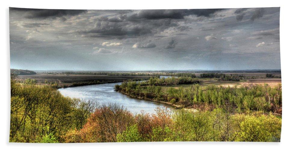 Landscape Beach Towel featuring the photograph Missouri River by Michael Ciskowski