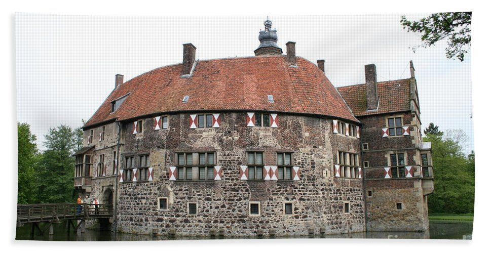 Castle Beach Towel featuring the photograph Moated Castle Vischering by Christiane Schulze Art And Photography