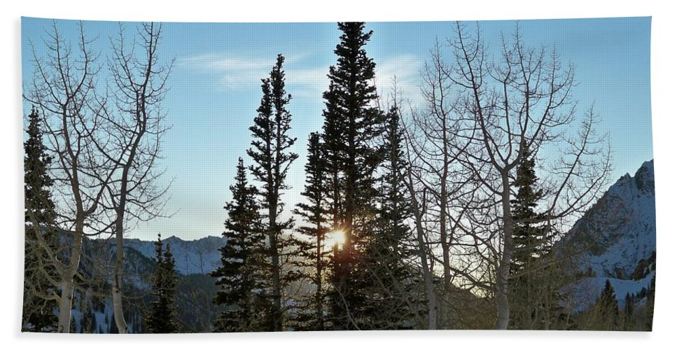 Rural Beach Towel featuring the photograph Mountain Sunset by Michael Cuozzo