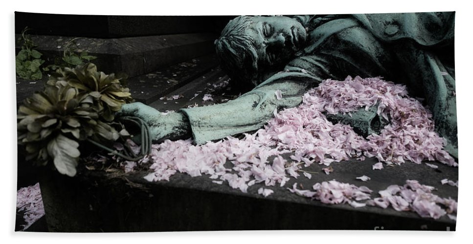 Copper Statue Beach Towel featuring the photograph Mourner Statue by Brothers Beerens