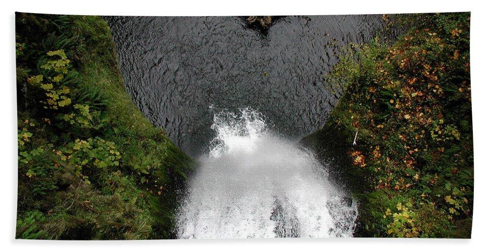Multnomah Falls Beach Towel featuring the photograph Multnomah Falls - 4 by D'Arcy Evans