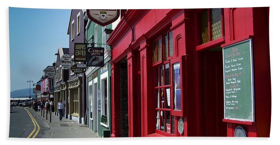 Irish Beach Towel featuring the photograph Murphys Bed And Breakfast Dingle Ireland by Teresa Mucha