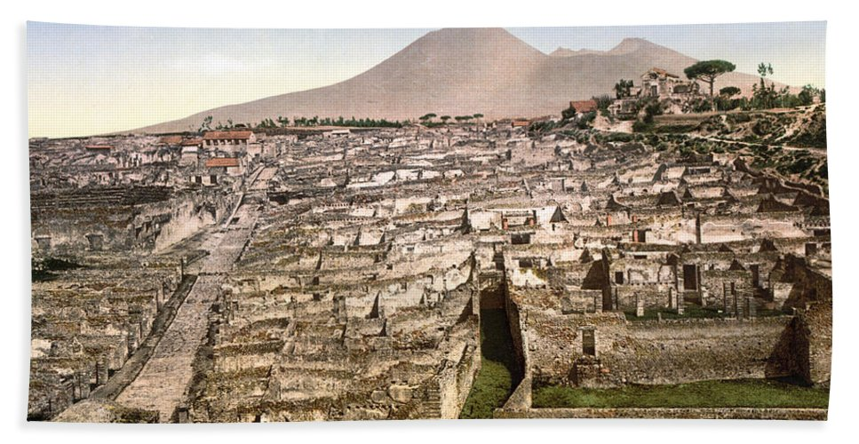 1890 Beach Towel featuring the photograph Naples: Mt. Vesuvius by Granger