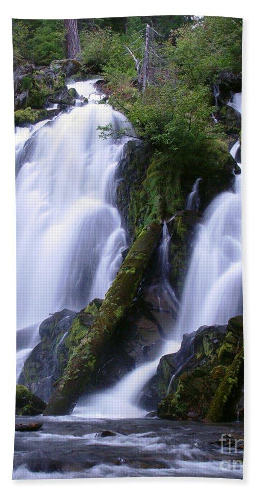 Waterfall Beach Sheet featuring the photograph National Creek Falls 09 by Peter Piatt