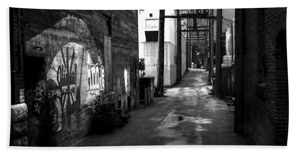British Columbia Beach Towel featuring the photograph Nelson Bc Alley by Lee Santa