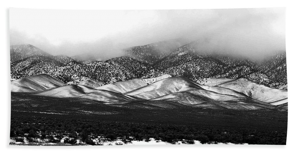 Snow Beach Towel featuring the photograph Nevada Snow by Nelson Strong