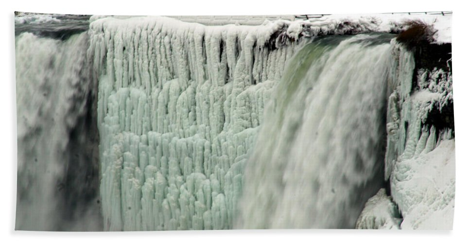 Landscape Beach Towel featuring the photograph Niagara Falls 7 by Anthony Jones